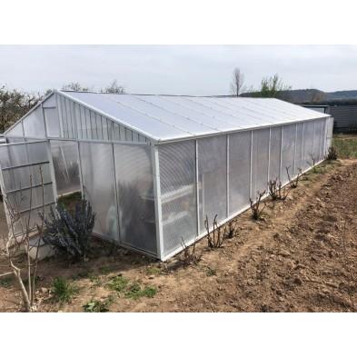 Malla de sombreo gris plata 70% en un invernadero en Tudela de Duero
